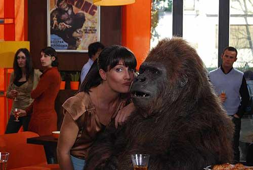 victoria e gorilla