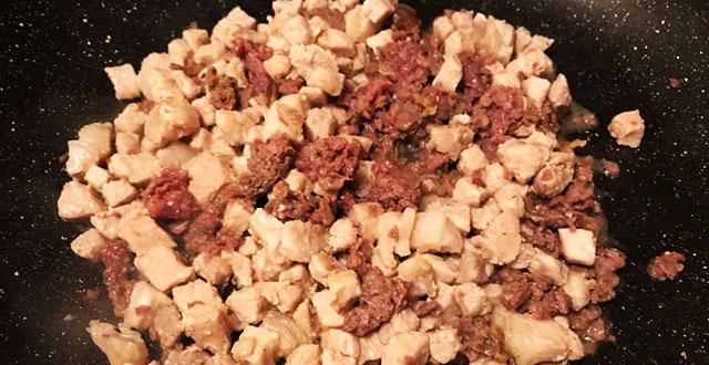 preparazione involtini di verza carne e salsiccia